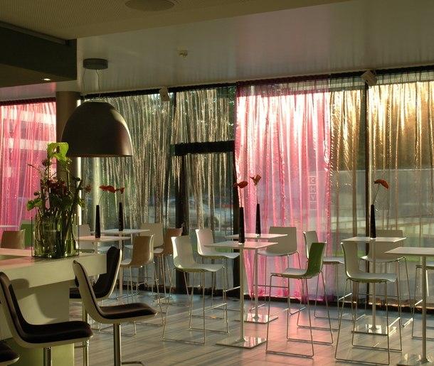 Silvester in wien feiern silvester package im roomz for Silvester design hotel